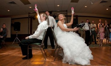 100 NEWLYWED SHOE GAME QUESTIONS to ask for the funniest game